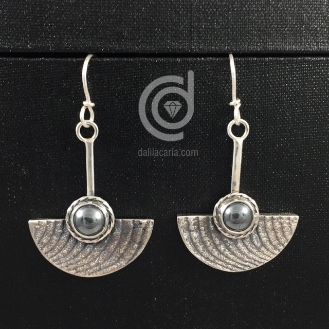 Silver earrings with hematite